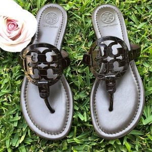 Tory Burch embossed miller sandals. 👌💙❤️💓